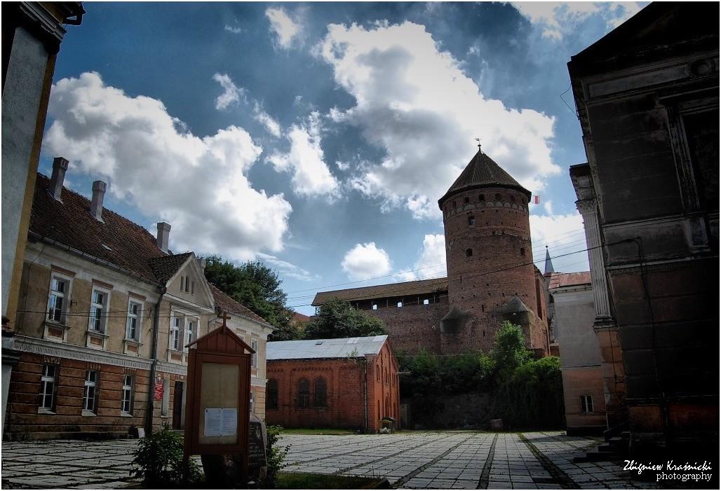 Reszel. Zamek, cerkiew, szkoła, czyli trzy w jednym