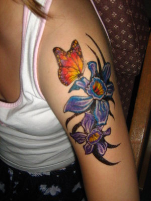 Picture Sexy Girls Tattoo With Shoulder Butterflies Tattoo Designs 3