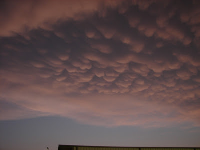 Awesome post dusk mammatus clouds