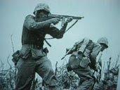 soldados en la guerra