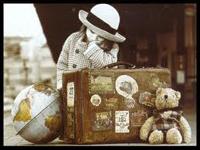 joven con maletas