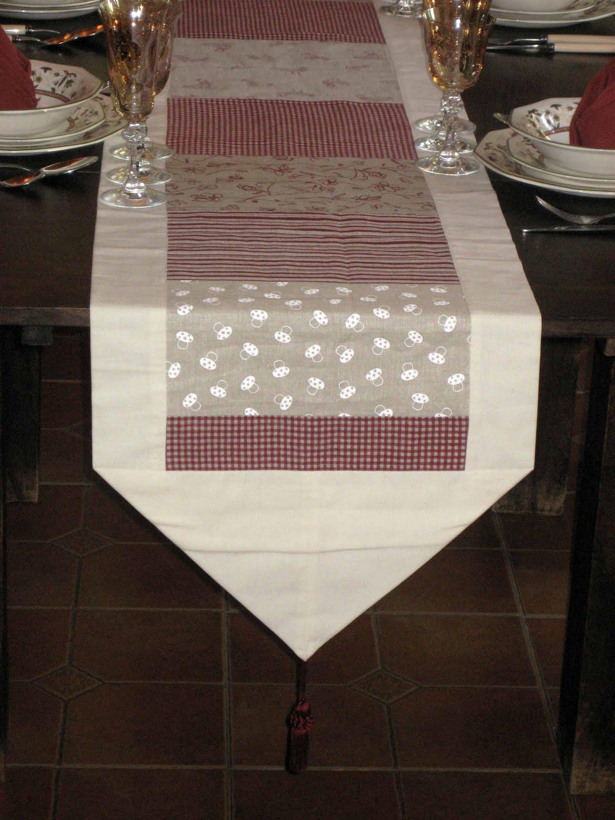 El rbol m gico de beluna camino de mesa elegante for Camino mesa moderno