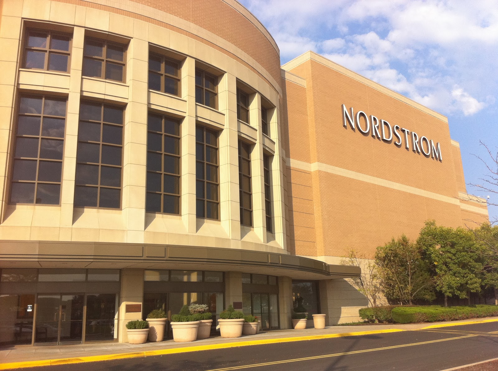 ... city area nordstrom at oak park mall is a popular location for many