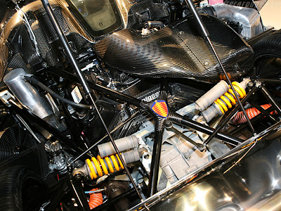 [Koenigsegg-CCX+engine.jpg]