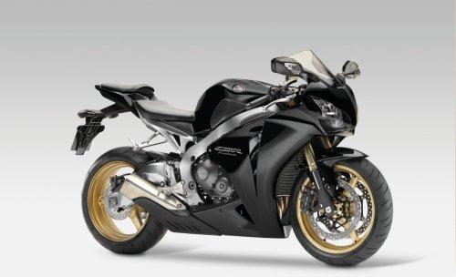 http://1.bp.blogspot.com/_0vQee8oZXq8/TBXNfY6sqOI/AAAAAAAASek/uP7HfG2g6MY/s1600/Mejores+motos+deportivas+8.jpg