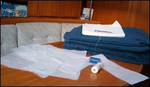 spugna, tela olona, cotone e carta per modelli: pronta per le copertine nuove