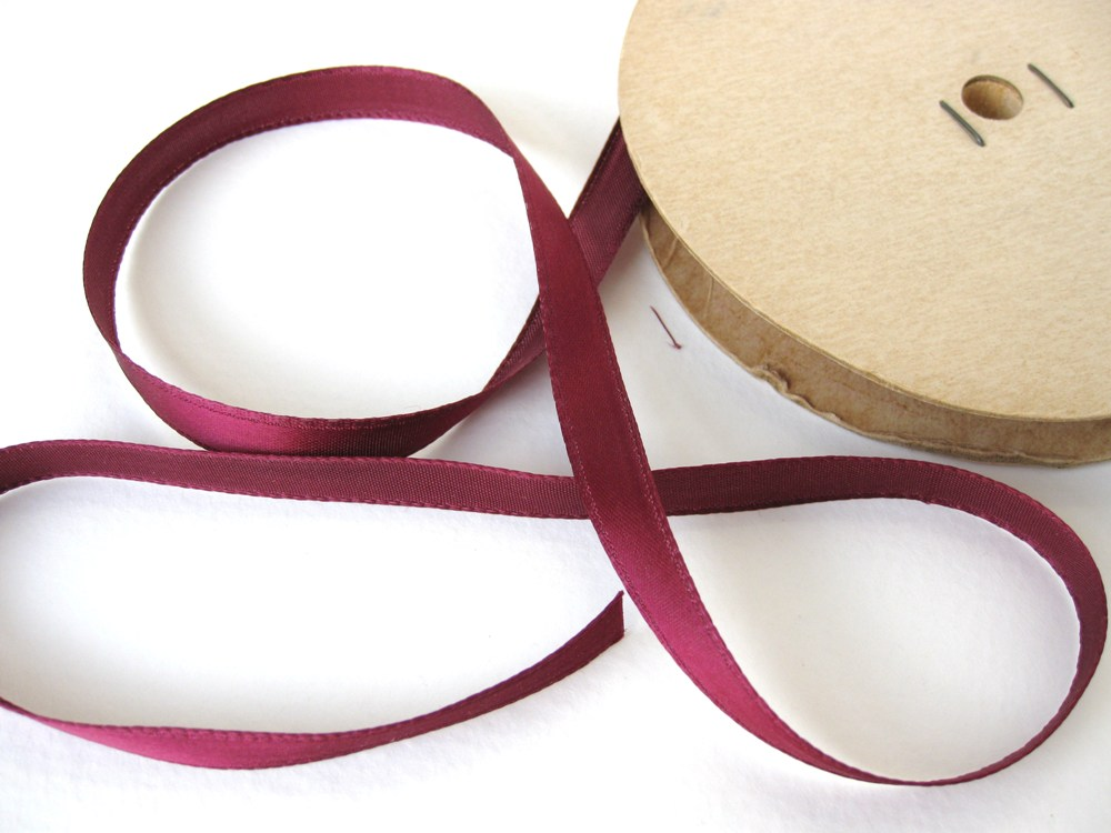 Vintage Trim. Satin Ribbon, Rich Burgundy Maroon, 3/8 inch, 1940's rib0035 (2 yards)