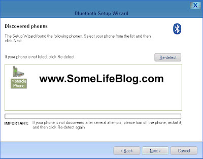 MPT V5 Bluetooth Setup Configuration: Once you make your phone discoverable via Bluetooth, click on next and your pc / laptop will search for your Motorola RAZR V3 phone.  It took about 15 seconds for the Motorola Phone icon to show up in my window.  Click on next to continue.