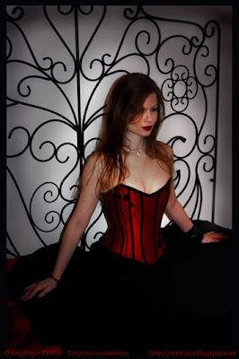andralys corsets corset robe de mari e rouge et noir. Black Bedroom Furniture Sets. Home Design Ideas