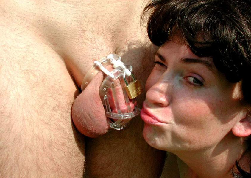 Como tratam à menina um pequeno pênis