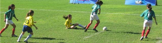[Copia+de+niñas+futbol.jpg]