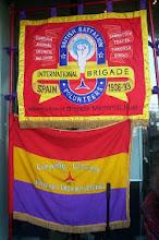 Bandera del Batallón Ingles(arriba) y bandera Columna Connolly(abajo)