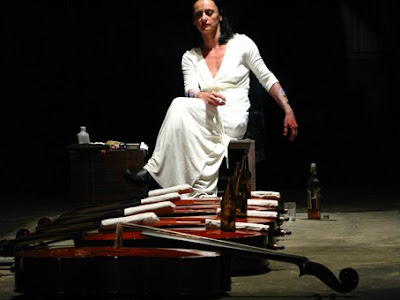 Angélica Liddell en Te haré invencible con mi derrota, foto de Susana Paiva