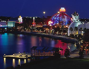 Walt Disney World et Universal Orlando en amoureux du 5 au 13 juin 2011 (update page 5) Downtown-Disney-and-Pleasure-Island