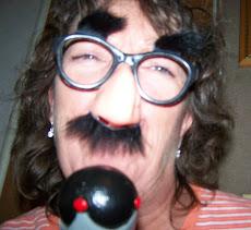 """Groucho Nana"""