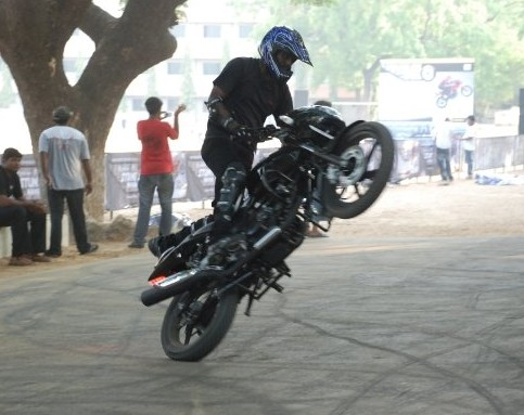 bike stunts. ikes stunts photos.