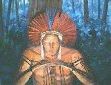 A figura do Pajé lembra os Caboclos da Umbanda