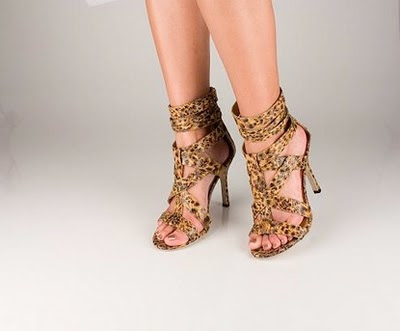 ALLABOUTLASHAY.COM: Kim Kardashian Shoe of the Month!!!!