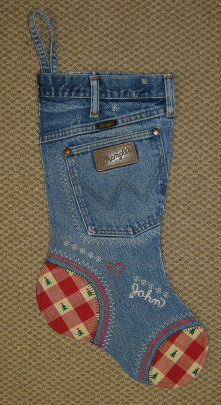 Western Christmas Stocking Patterns http://nebraskaviews.blogspot.com/2010/11/christmas-stocking-fun.html