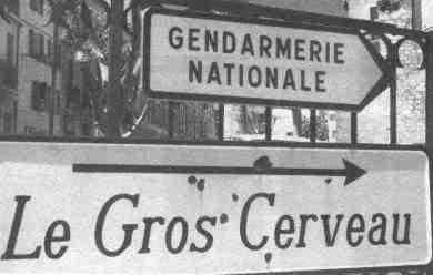 Panneaux comiques - Page 5 Gendarmerie