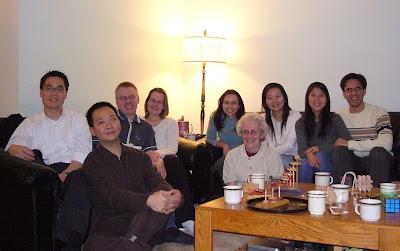 Vasemmalta: Francis, Tony, Miika, Päivi, Paula, Coleen, Stella, Amy ja Joshua.
