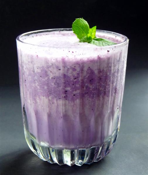 blueberry dessert smoothie
