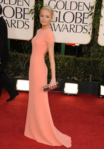 anne hathaway golden globes dress back. 3) Anne Hathaway dazzled in