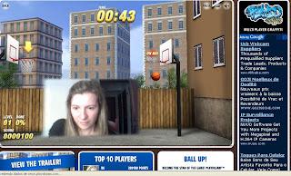 imagem minha na webcam, jogando basquete