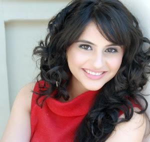 http://1.bp.blogspot.com/_1GfcJ6iZrAA/TUTcRW849bI/AAAAAAAAAXY/l5QXEHSn5Dc/s300/Beautiful%2BPakistani%2BColleges%2BGirls%2BPhotos%2B%25252810%252529.jpg