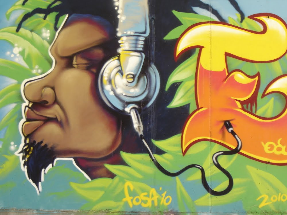 Graffiti: de Fosa(edu) en El Vendrell 22-5-2010