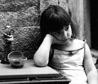 Una palabra ,una imagen (Parte II) - Página 2 Nena+con+santito