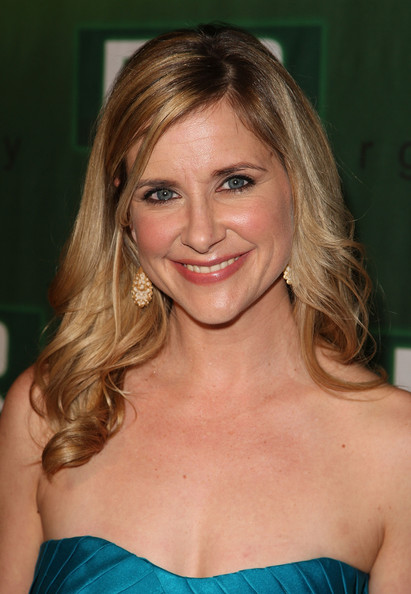 Celebrity Gossip Blogs DailyKellie Martin 2009