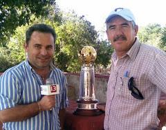 Con Alonso Diego y el trofeo 2008