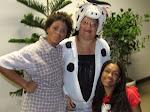 Vaca vitória e cia no espetáculo teatral no Aeroporto de Salvador