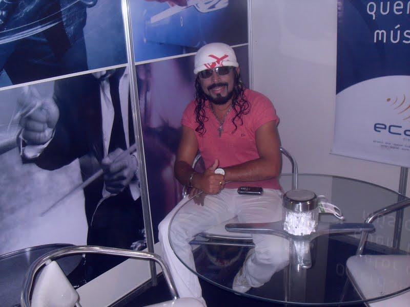 Centro de Convenções : Sósia Do cantor Bel da Banda Chiclete com Banana para eventos em geral