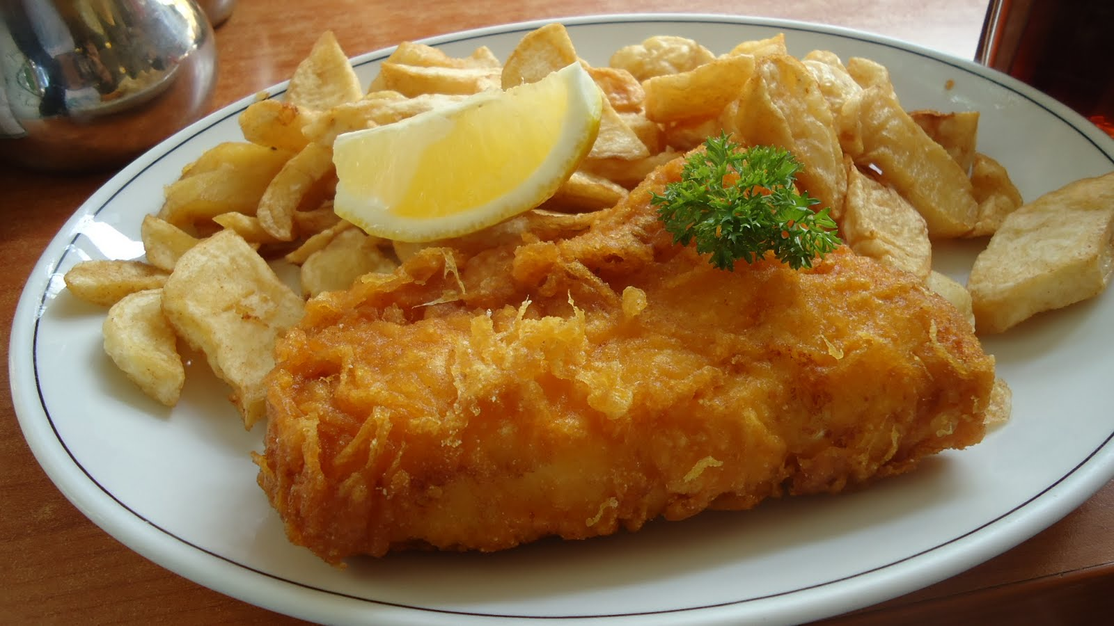 I Live to Eat and Eat to Live: Glorious Fish n Chips