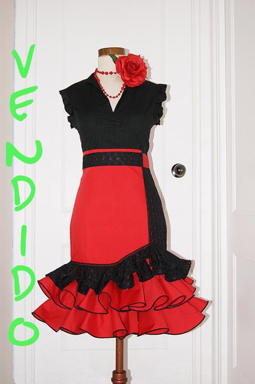 Falda Flamenca Alta Roja Y Negra Calada Con Cordoncillo