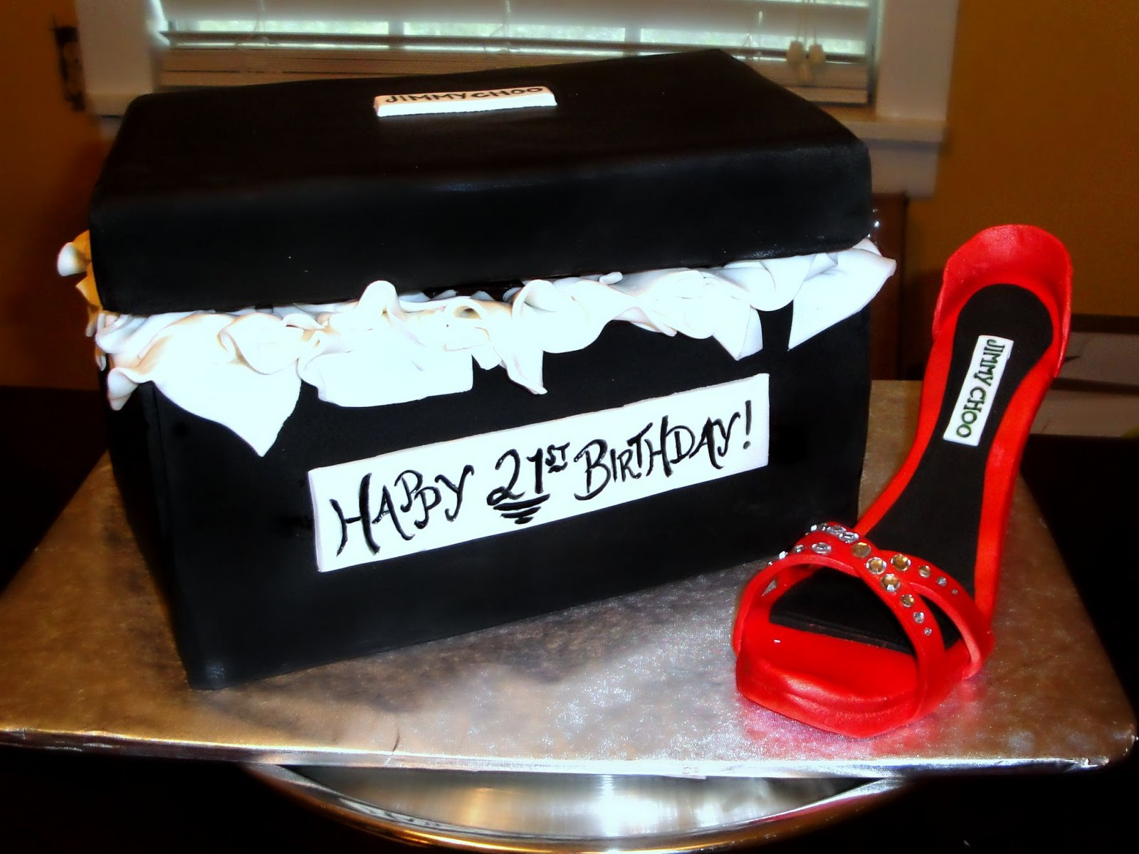 Fashionistas 21st Birthday This Cake Was Created For A 21 Year Old