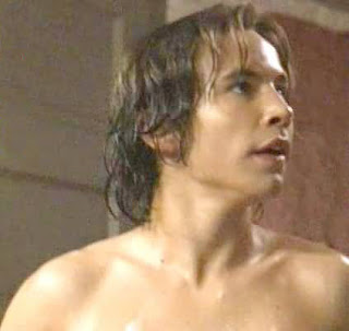 Jonathan_Taylor_Thomas_Shirtless http://www.twinkees.blogspot.com/2008/09/todays-birthday-boy-jonathan-taylor.html
