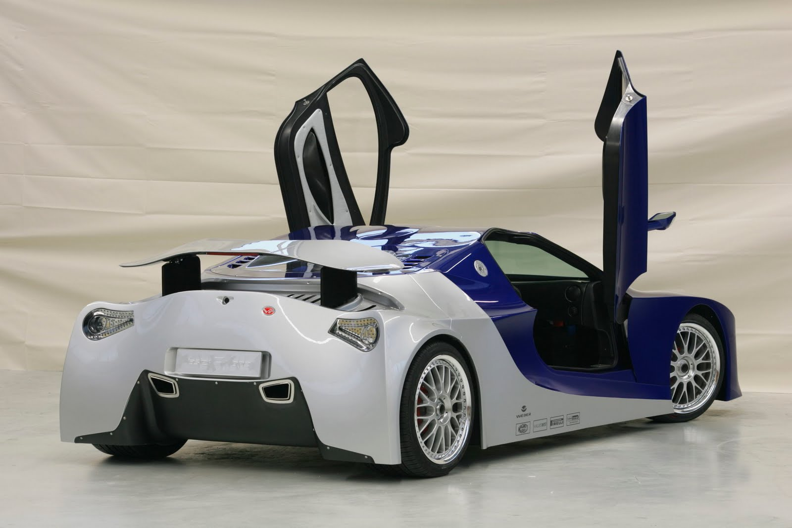 http://1.bp.blogspot.com/_1PgmqFO-Stk/S-3j6_T27HI/AAAAAAAAAgY/Hp0VApRTKV4/s1600/weber-sportcars-faster-one-hr-03.jpg