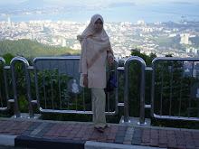 pemandangan dari atas bukit bendera...biaselaa...cuti-cuti malaysia
