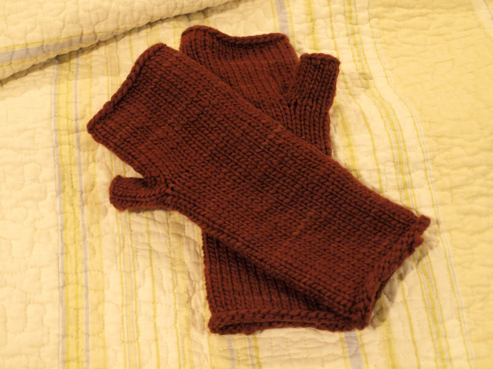 Hobo Gloves Knitting Pattern : I Knit and Tell: Finished: Honey Cowl and Toasty