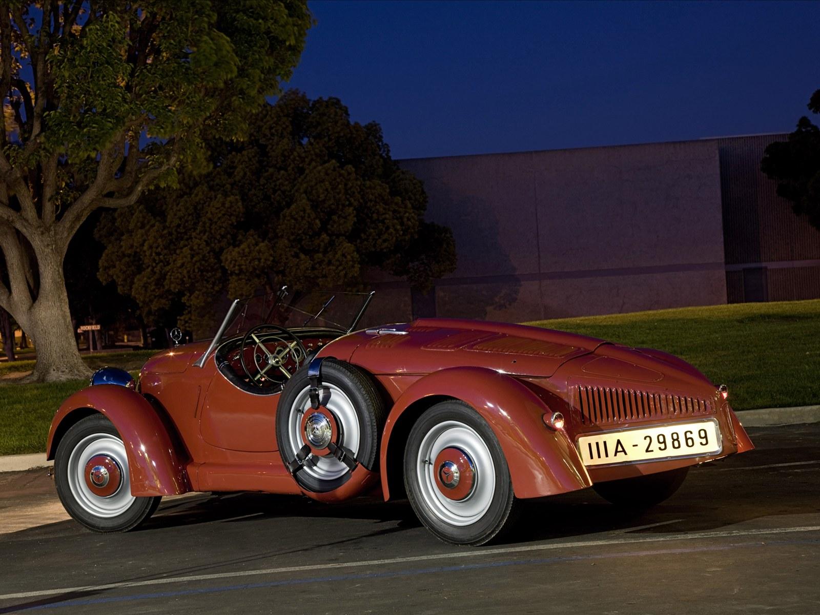Super cars mercedes benz rear engine classic cars for Mercedes benz classic car center