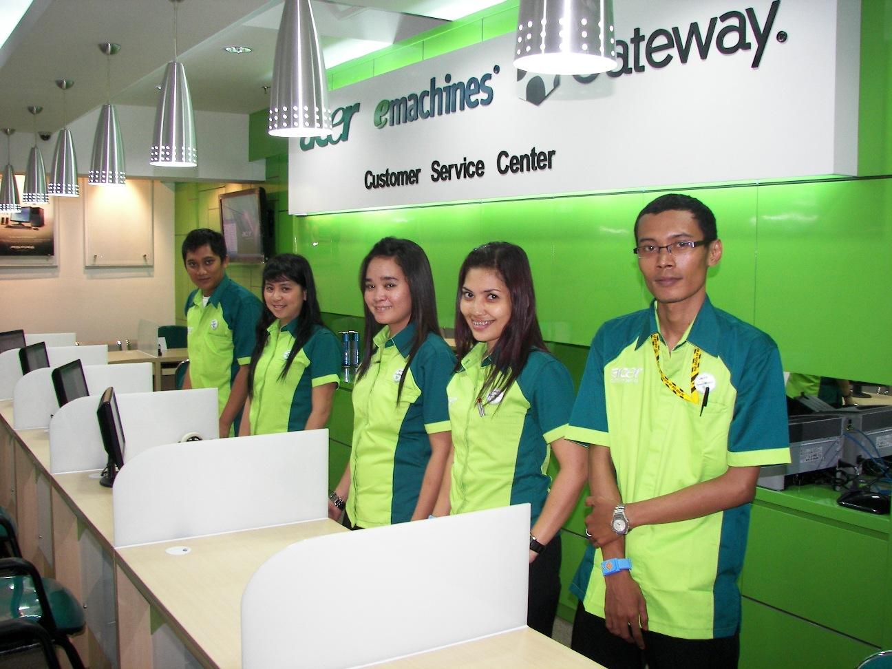 Acer Buka Service Center di Karebosi Link