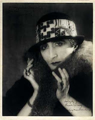 MARCEL DUCHAMP TRAVESTIDO