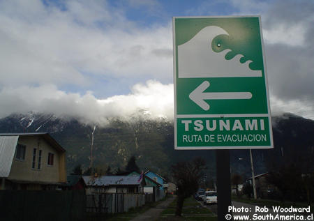 http://1.bp.blogspot.com/_1XUVshxX6aU/S7SkSFAqP9I/AAAAAAAABi0/xQZFcL4utQ0/s1600/Tsunami_Sign.jpg