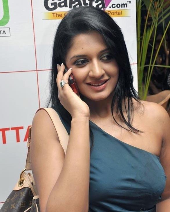 Malayalam cine digest kunjubi 91910 92610 vimala raman altavistaventures Gallery