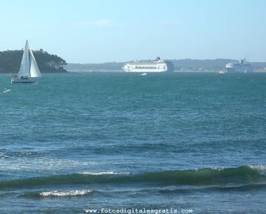 Isla Gorriti y Cruceros