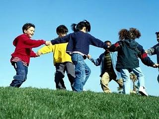 http://1.bp.blogspot.com/_1YWEpxV9Rr4/TQpsDBQtpfI/AAAAAAAAABA/Mt1fE_tV12I/s320/criancas-brincando-grande3.jpg