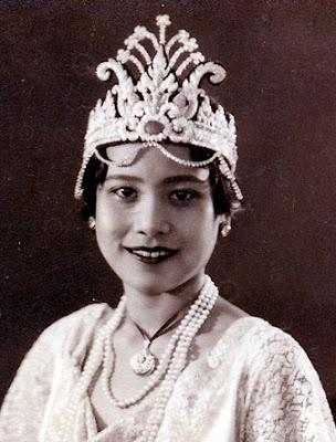 นาง สาวไทย คนแรกของประเทศไทย
